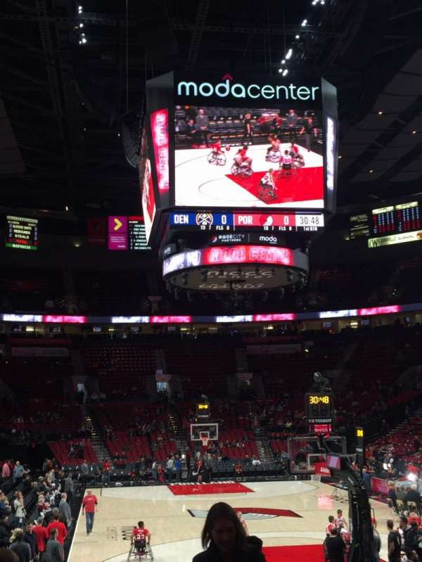 Moda Center, section: 107, rangée: F, siège: 11