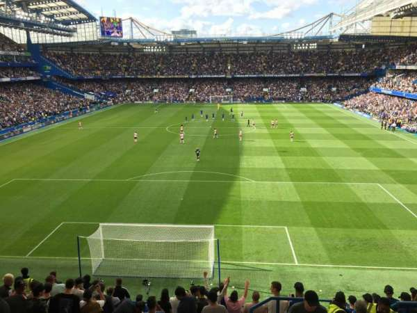 Stamford Bridge, section: Shed End Upper 4, rangée: 13, siège: 132