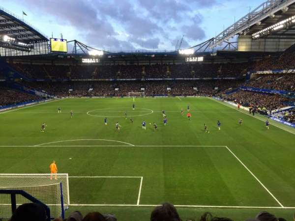 Stamford Bridge, section: Shed End Upper 3, rangée: 9, siège: 122
