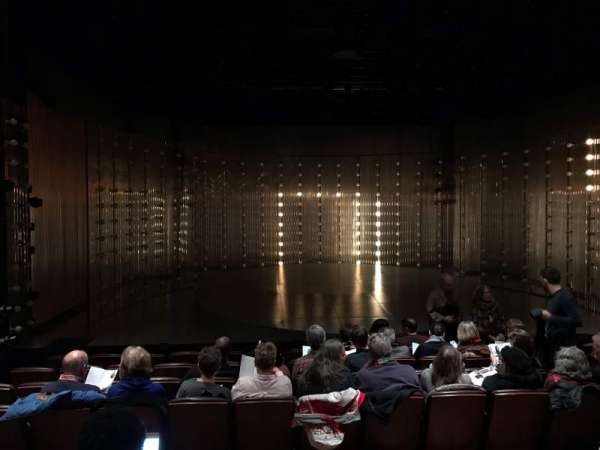 Mainstage Theatre at Playwrights Horizons, section: Mainstage, rangée: F, siège: 10