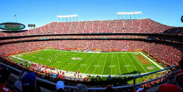 Arrowhead Stadium, section: 322, rangée: 3, siège: 2