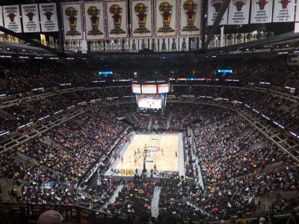 United Center, section: 325, rangée: 13, siège: 17