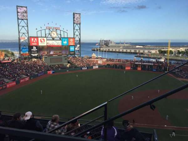 Oracle Park, section: 325, rangée: 1, siège: 2