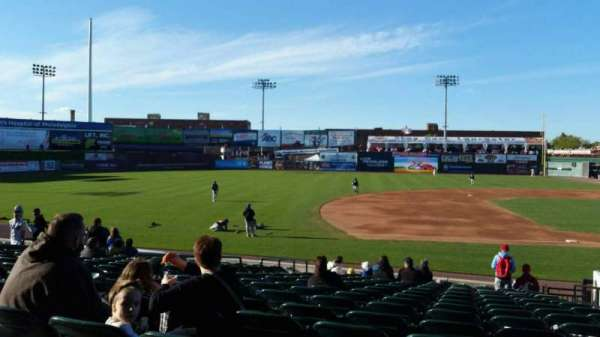 Clipper Magazine Stadium, section: 23, rangée: Q, siège: 4