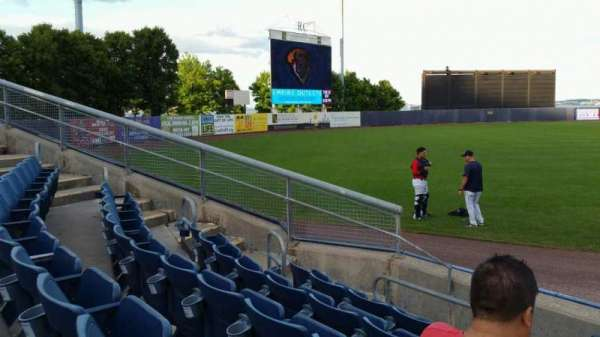 Richmond County Bank Ballpark, section: 1, rangée: F, siège: 1