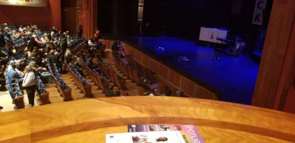 Au-Rene Theatre at the Broward Center, section: Orchestra Box F, siège: 2