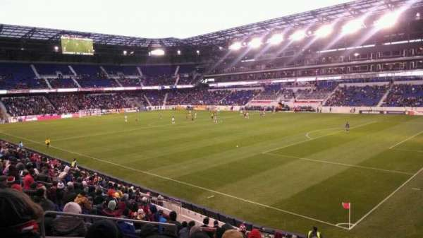 Red Bull Arena, section: 122, rangée: 16, siège: 17