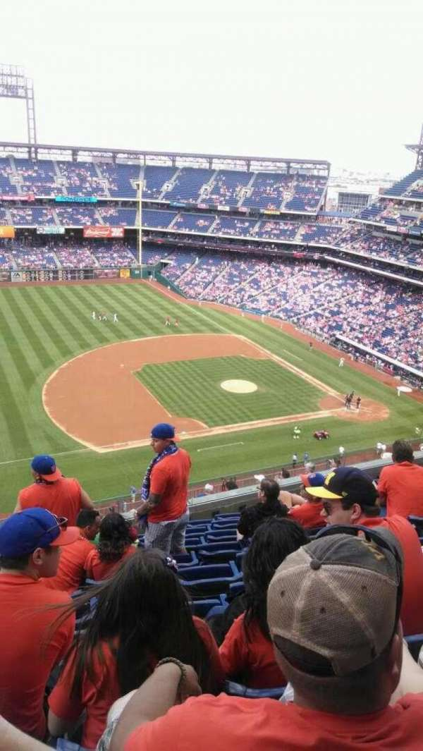 Citizens Bank Park, section: 428, rangée: 9, siège: 19