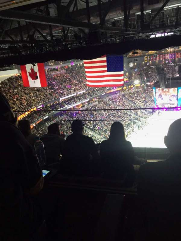 T-Mobile Arena, section: Hyde Tables, rangée: 14, siège: 1-4