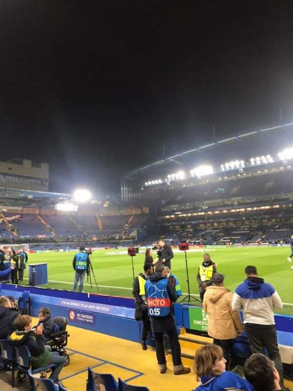 Stamford Bridge, section: East Stand Lower 6, rangée: H, siège: 173