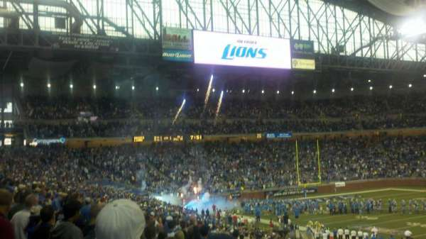 Ford Field, section: 108, rangée: 32