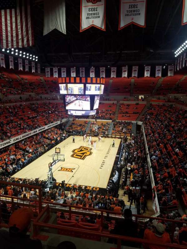 Gallagher-Iba Arena, section: 323, rangée: 3, siège: 2