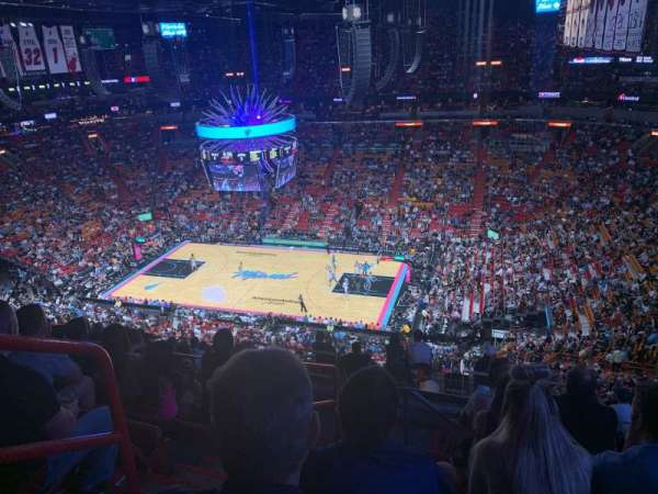American Airlines Arena, section: 322, rangée: 13, siège: 19