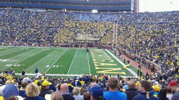 Michigan Stadium, section: 42, rangée: 35, siège: 24