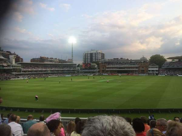 Lord's Cricket Ground, section: Crompton Upper Stand Block 17, rangée: J, siège: 87