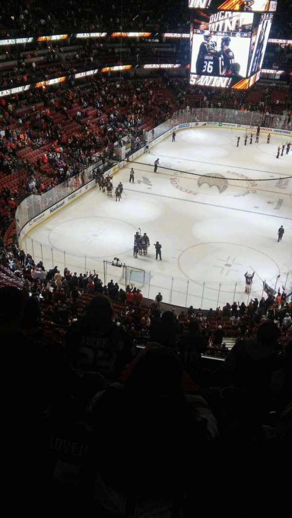 Honda Center, section: 441, rangée: J, siège: 4-7
