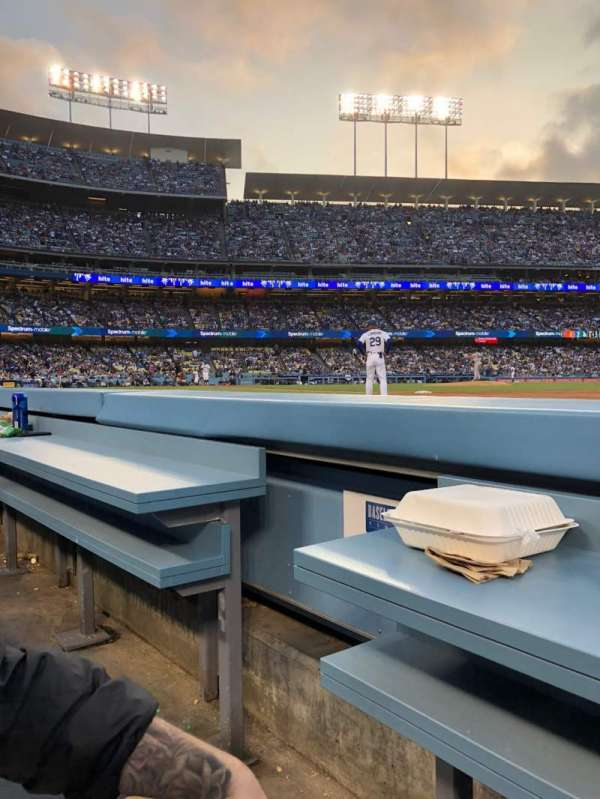 Dodger Stadium, section: 30BL, rangée: 1, siège: 2