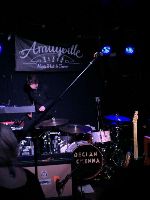 Amityville Music Hall, section: Front row, rangée: General admission