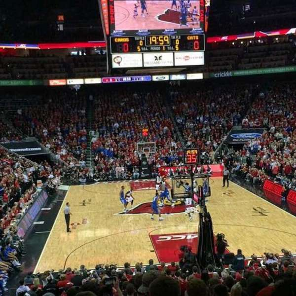 KFC Yum! Center, section: 101, rangée: S, siège: 19
