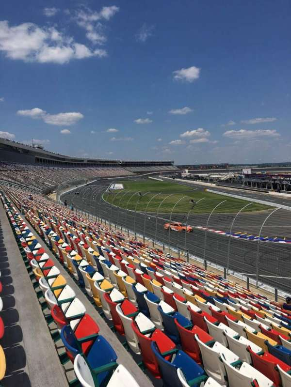 Charlotte Motor Speedway, section: Ford D, rangée: 18