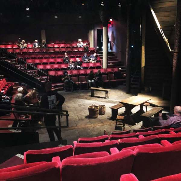 The Anspacher Theater at the Public Theater, section: Orchestra, rangée: F, siège: 10
