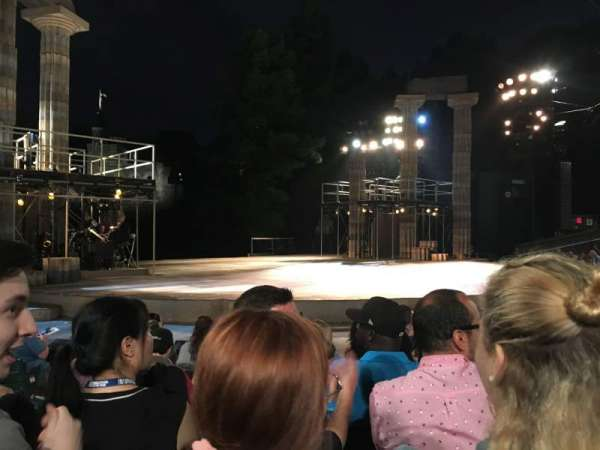 The Delacorte Theater in Central Park, section: D, rangée: F, siège: 309