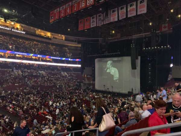 Wells Fargo Center, section: 111, rangée: 20, siège: 12