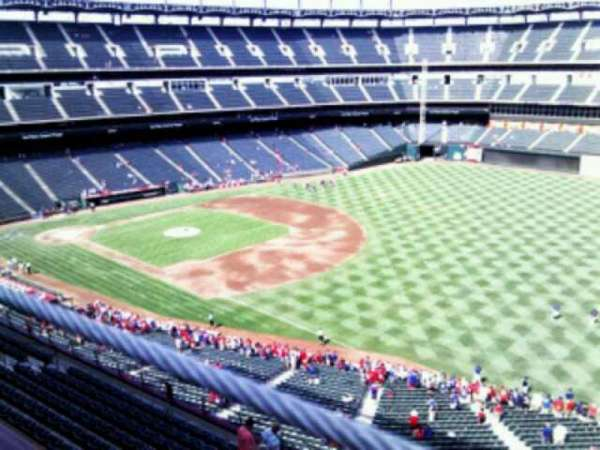 Globe Life Park in Arlington, section: 339, rangée: 2, siège: 15