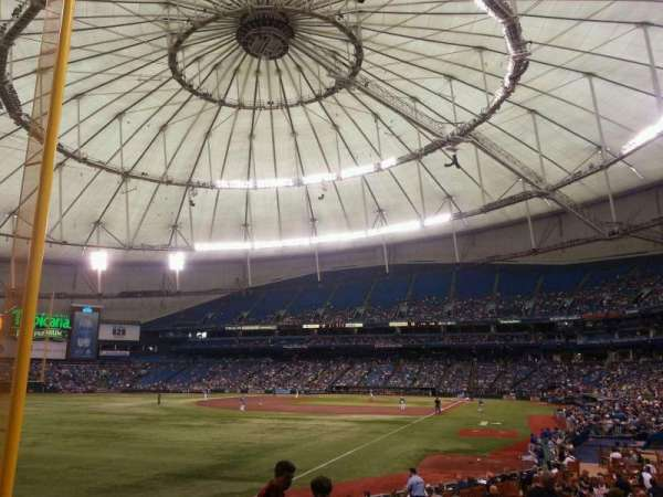 Tropicana Field, section: 137, rangée: W, siège: 6
