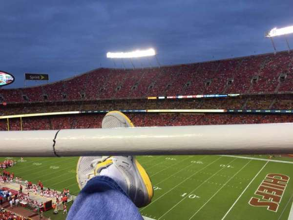 Arrowhead Stadium, section: 319, rangée: 1, siège: 4