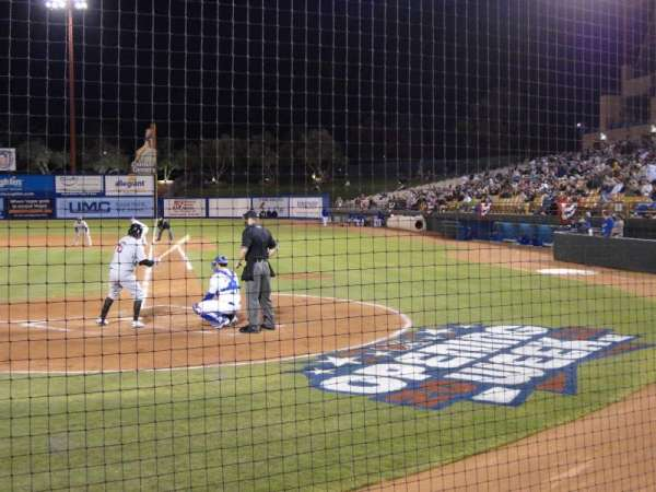 Cashman Field, section: Dug-A, rangée: 3, siège: 9