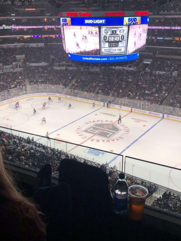 Staples Center, section: 333, rangée: 2, siège: 1