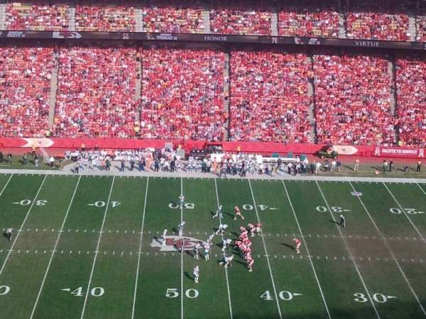 Arrowhead Stadium, section: 324, rangée: 33, siège: 15