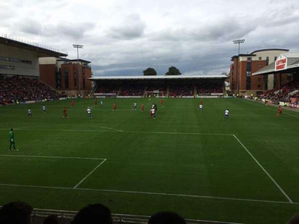 Brisbane Road, section: B, rangée: H, siège: 28