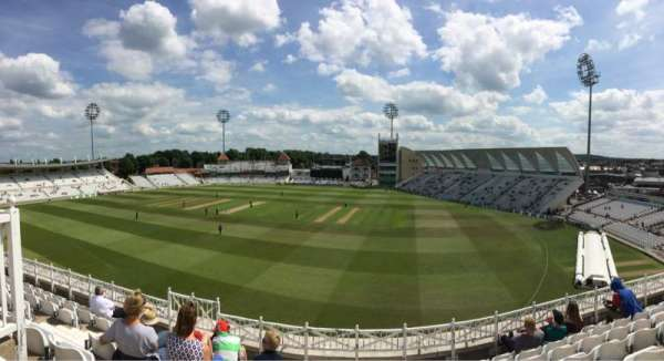 Trent Bridge, section: Main stand, rangée: Middle Tier
