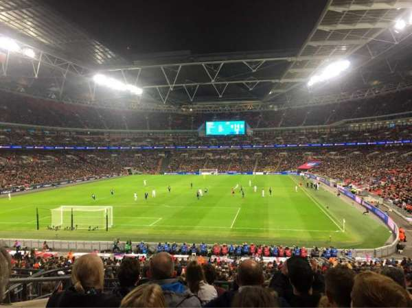 Wembley Stadium, section: 110, rangée: 37, siège: 219