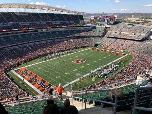 Paul Brown Stadium, section: 347, rangée: 24, siège: 1