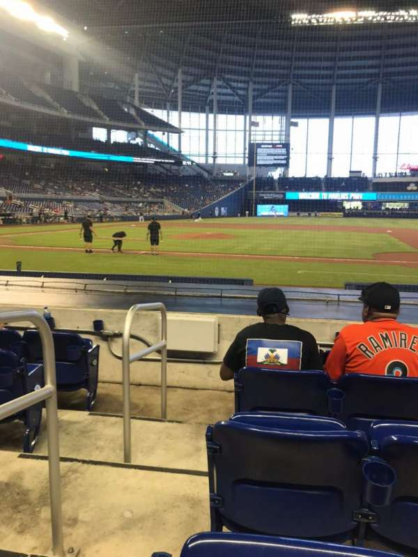 Marlins Park, section: 8, rangée: D, siège: 18