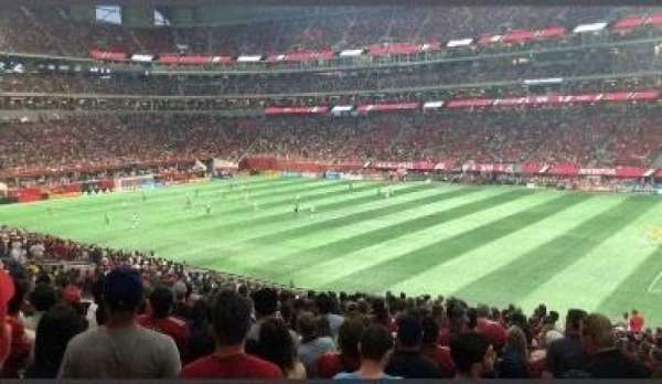 Mercedes-Benz Stadium, section: 107, rangée: 36, siège: 1