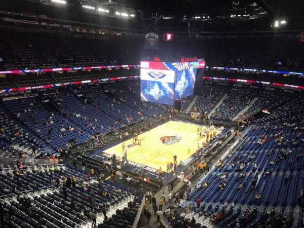 Smoothie King Center, section: 321, rangée: 8, siège: 13