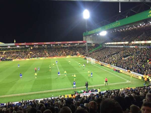Carrow Road, section: South Stand, rangée: EE, siège: 50