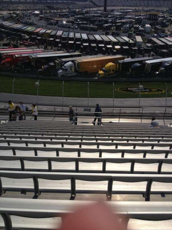 Dover International Speedway, section: 202, rangée: 18, siège: 11