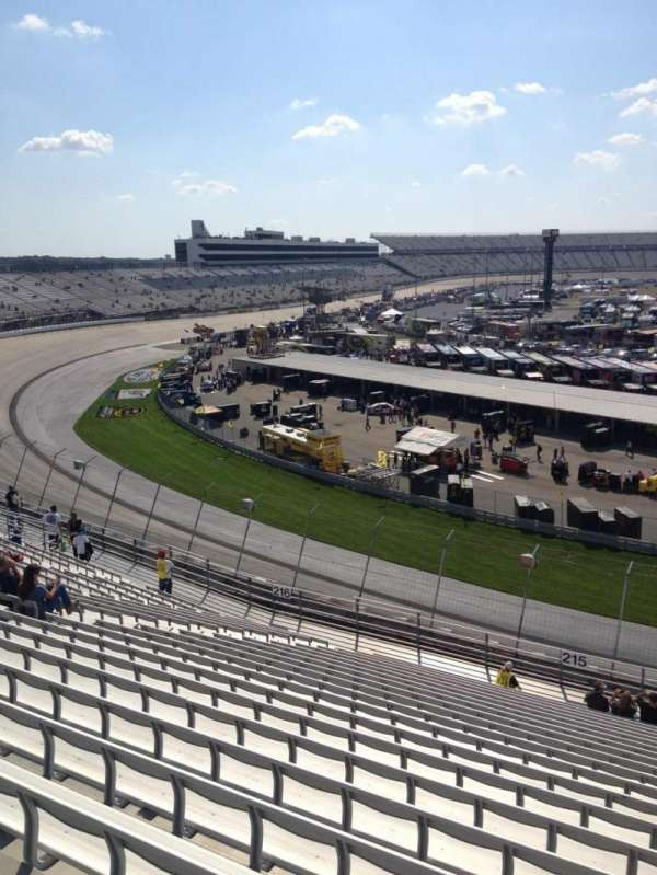 Dover International Speedway, section: 215, rangée: 21, siège: 3