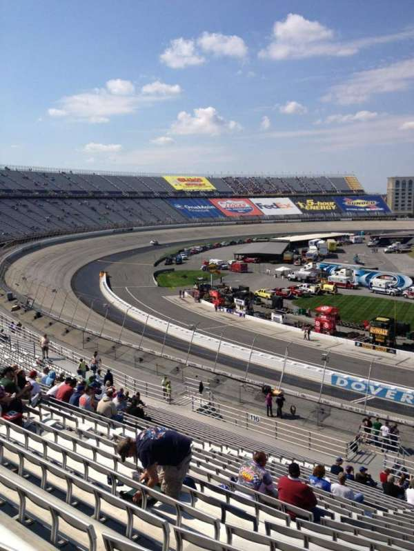 Dover International Speedway, section: 115, rangée: 25, siège: 5