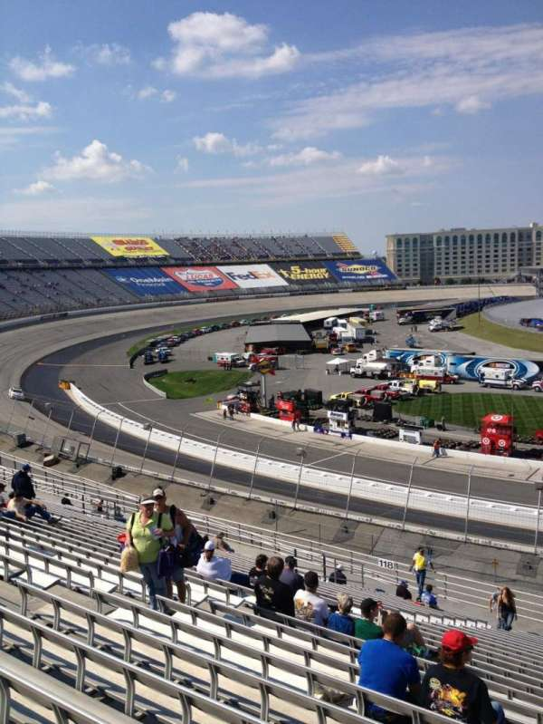 Dover International Speedway, section: 117, rangée: 25, siège: 10