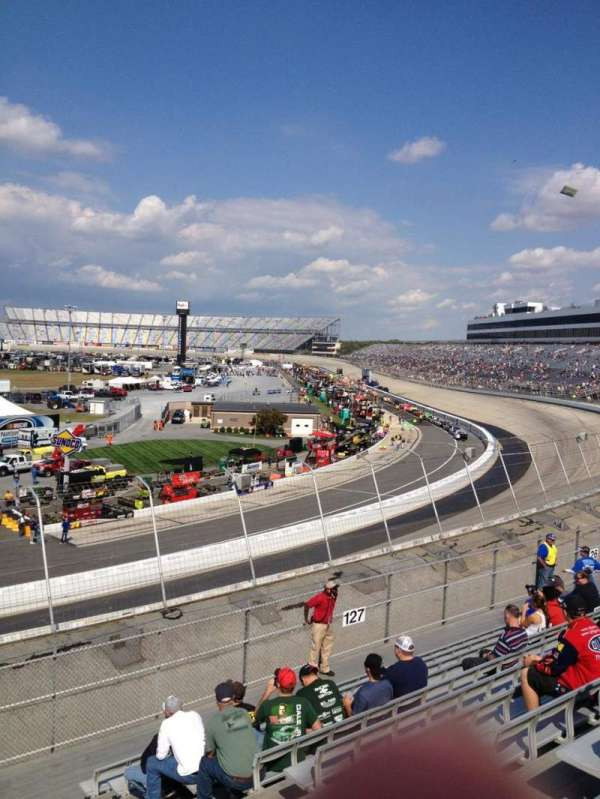Dover International Speedway, section: 128, rangée: 12, siège: 6