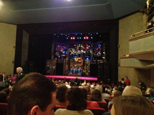 Matthews Theatre at the McCarter Theatre Center, section: Orchestra A, rangée: W, siège: 12