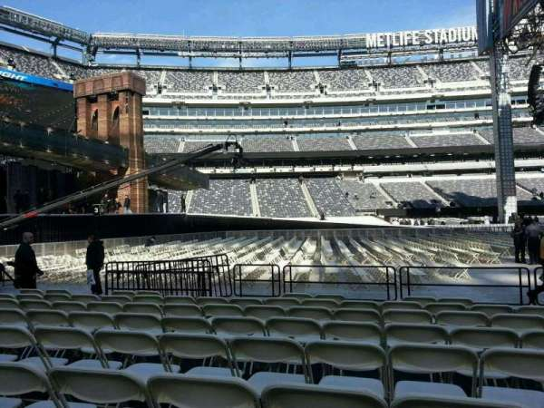 MetLife Stadium, section: 142, rangée: h, siège: 18