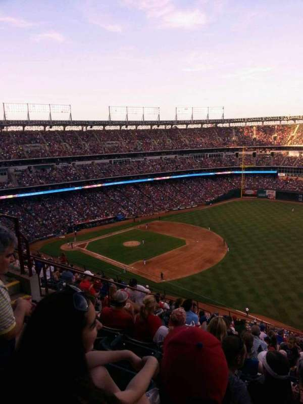 Globe Life Park in Arlington, section: 339, rangée: 15, siège: 11