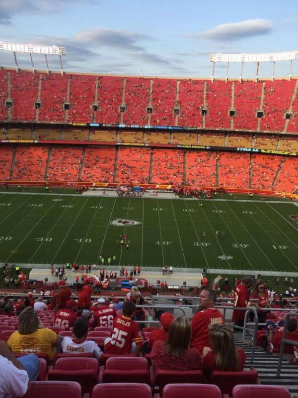 Arrowhead Stadium, section: 301, rangée: 24